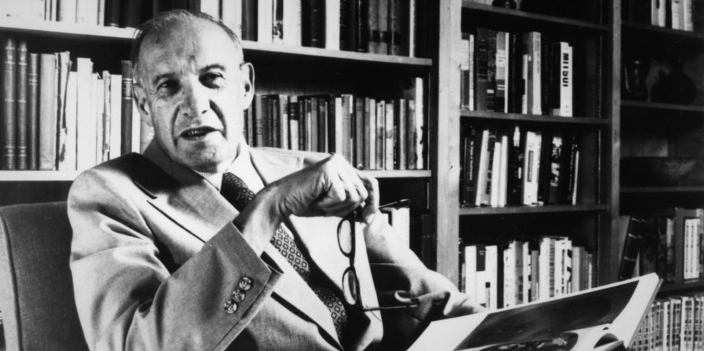 8 Lessons on Effectiveness (From Peter Drucker's Effective Executive)